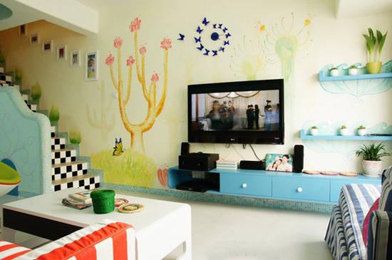 其亮眼的颜色与温馨可爱的墙面彩绘为空                    生机.