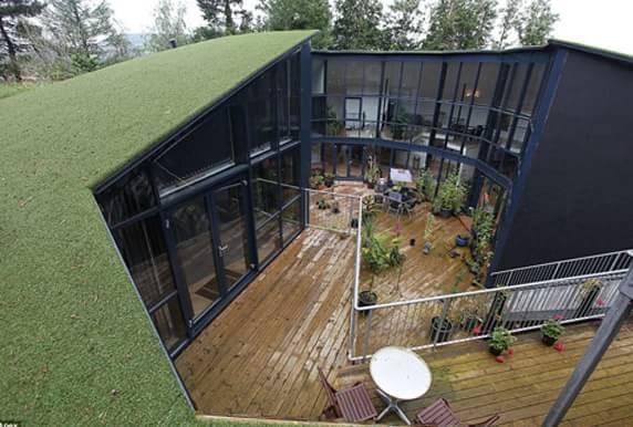 废弃蓄水池改造成豪宅