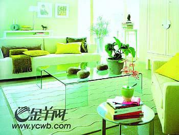 比如给沙发穿一件淡蓝色或淡绿色的外套
