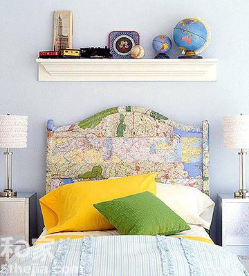 怀旧木板床靠背 手工心型卡片 粉色的怀旧感得床头板上,手工制作的彩