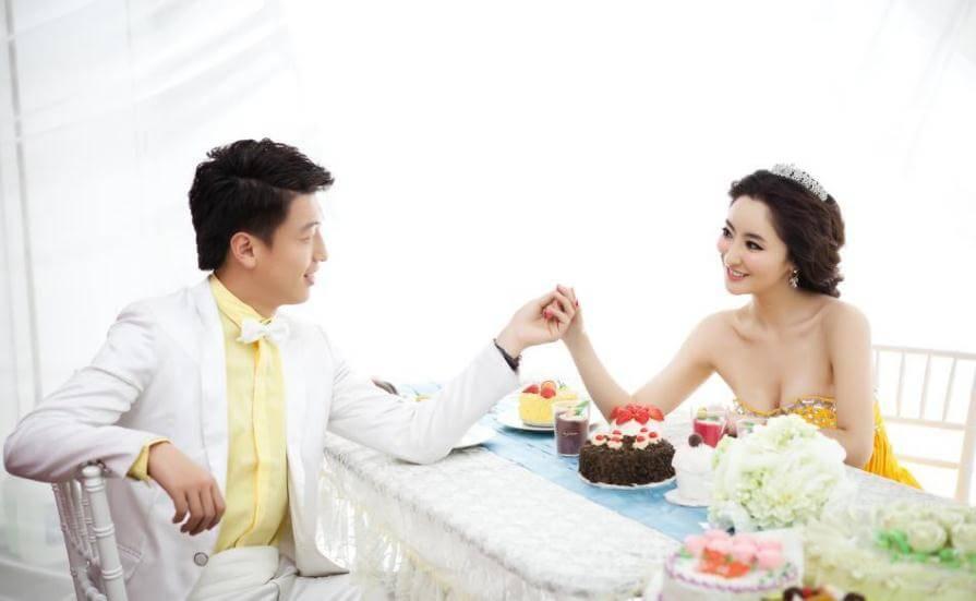 国脚杨旭将娶美女主播王一婷 唯美婚纱照曝光