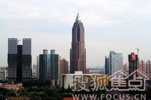 南京庐山路高楼