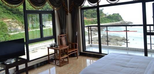 下川岛海滨旅游 入住十里银滩酒店与海零距离接触
