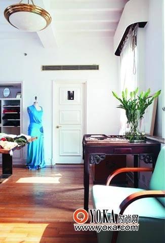服装设计师韩枫似家的工作室