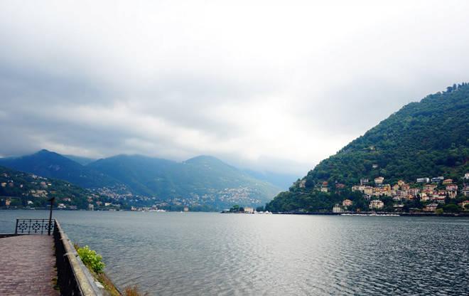 湖因山而美,山因湖而秀