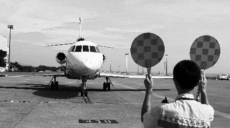 随着私人飞机销售商扎堆西进
