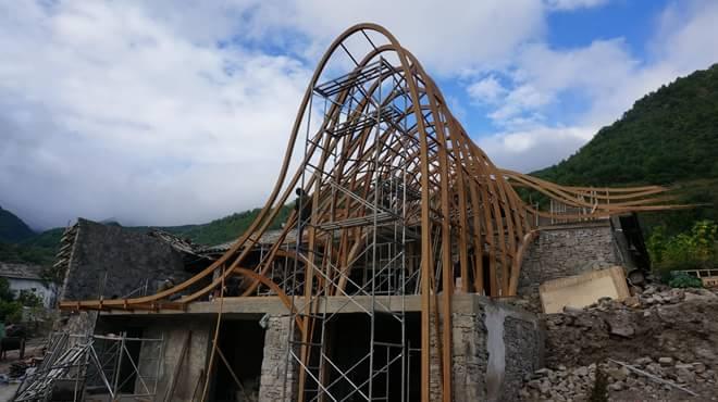民居钢结构楼房基础施工图片
