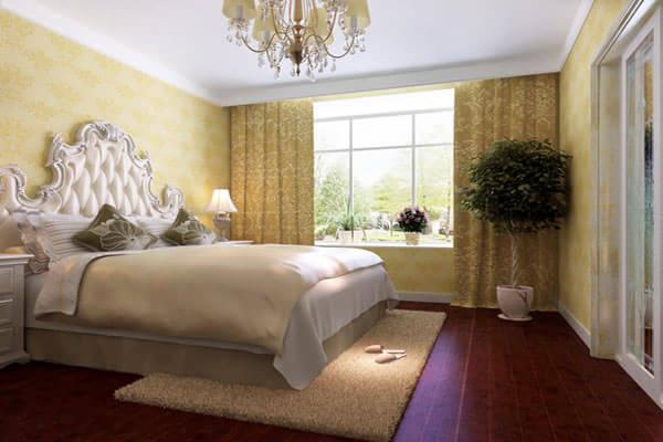 巴洛克样式雄浑厚觉,在运用直线的同时也强调线型流动变化的特点。这种样式具有过多的装饰和华美浑厚的效果。在室内将绘画、雕塑、工艺集中于装饰和陈设艺术上,墙面装饰多以展示精美的法国壁毯为主,同时镶有大型镜面或大理石,或以线脚重叠的责重木材镶边板装饰墙面。色彩华丽且用金色予以协调,以直线与曲线协调处理的猫脚家具和其他各种装饰工艺手段的使用,构成室内庄重豪华的气氛。