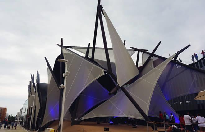 科威特馆造型借鉴当地典型传统的单桅三角帆船