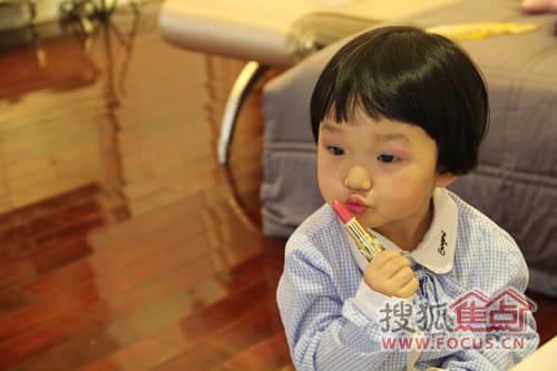 """随处""""出没""""的小朋友配合大宥城饶富童趣的装扮,再加上""""小小蛋糕师""""的"""