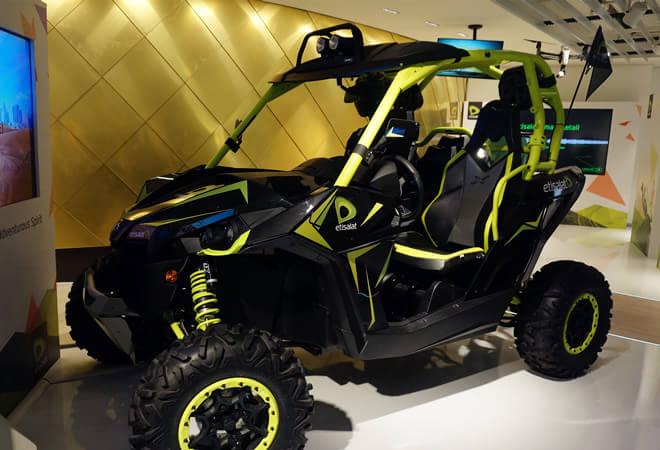 阿联酋馆展示的酷炫沙漠冲锋车