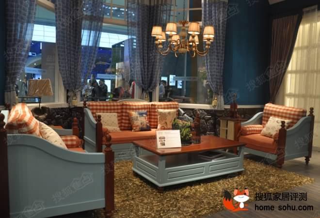 地中海风格家具,而这套仁豪迪诺雅实木沙发受到在场