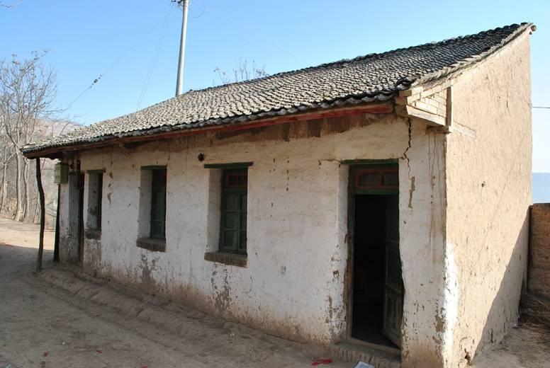 中菲最穷农村房子震撼对比